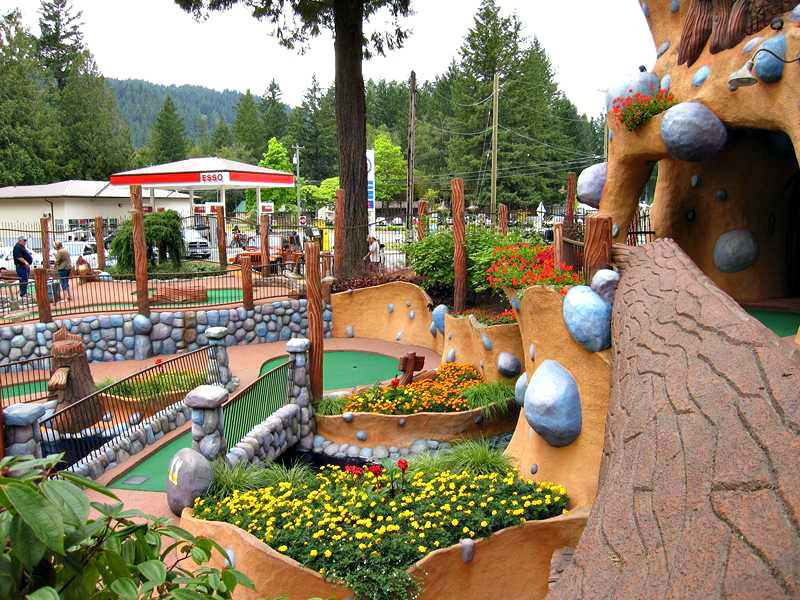 Cultus Lake miniature golf course