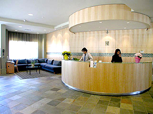 Quality Hotel Vancouver Airport South lobby