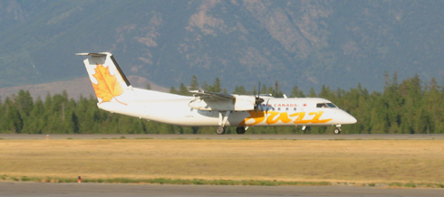 Air Canada Jazz Dash-8