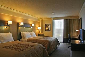 Sandman Signature Hotel Resort Vancouver Airport  room