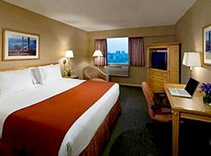 Holiday Inn Express Vancouver Airport room