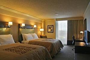 Sandman Signature Hotel Resort Vancouver Airport  room