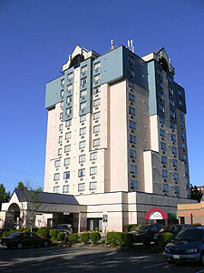 Travelodge Vancouver Airport front
